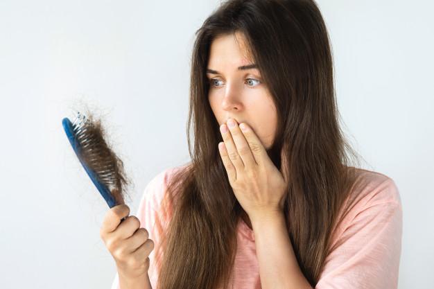 چگونه طب سوزنی میتونه به درمان ریزش مو و رویش مجدد موها کمک کنه؟ آیا واقعا طب سوزنی میتونه از پس اینکار بر بیاد؟