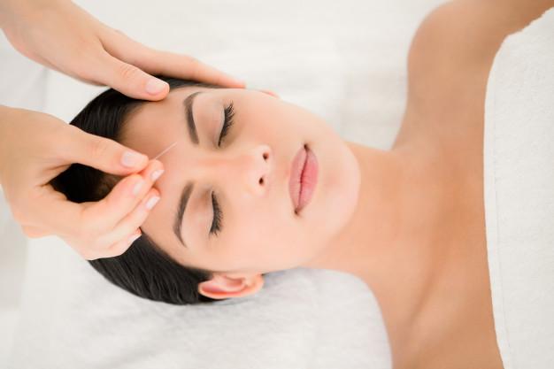 جوانسازی پوست با طب سوزنی